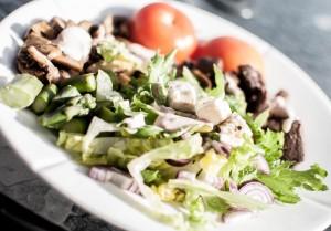 Rådyrkjøtt med chilidressing og sopp