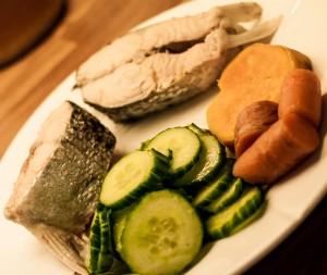 laks og grønnsaker